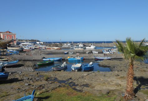 Le port d'Aci Trezza