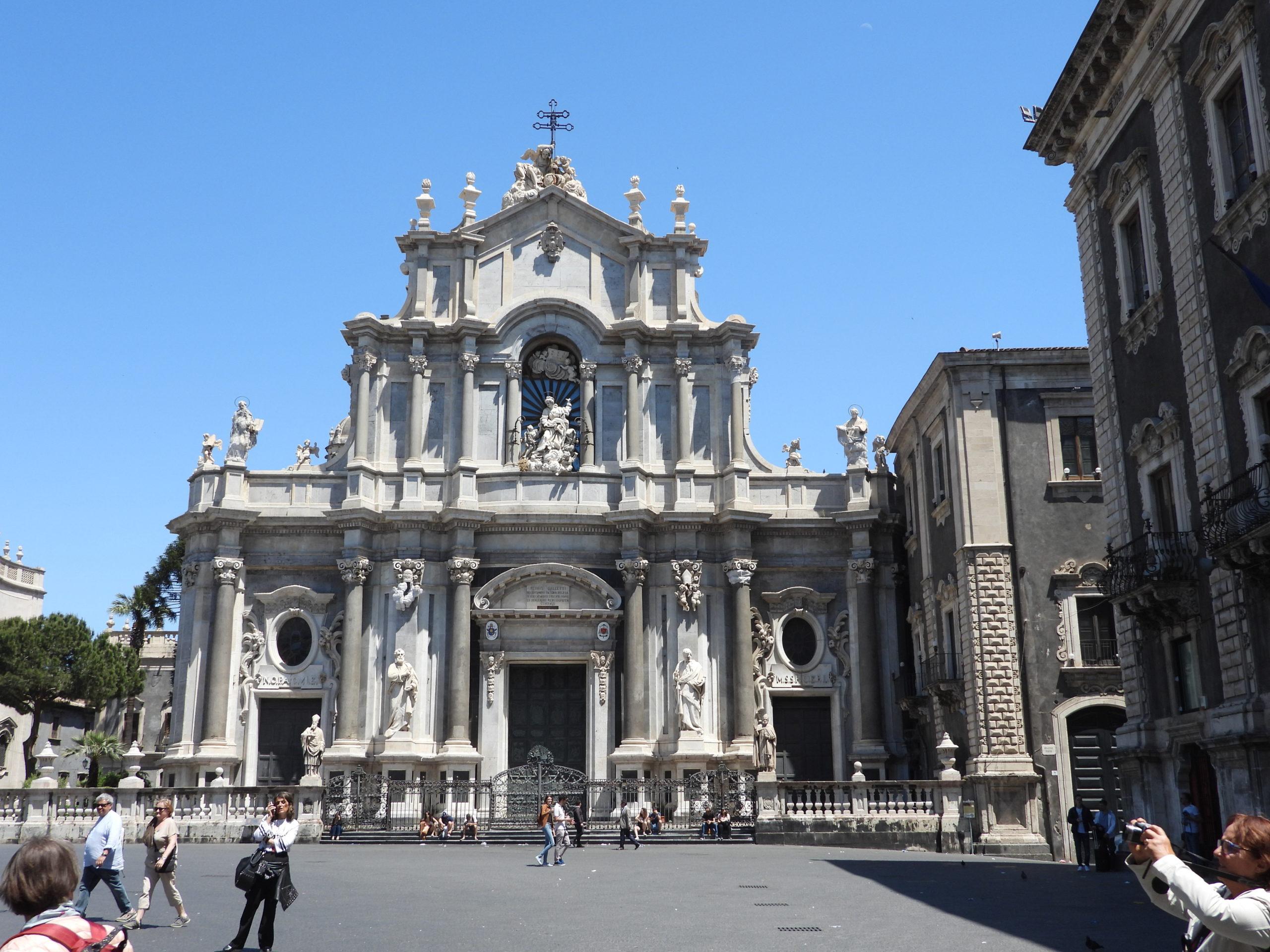 10 mai - CATANE - Piazza Duomo (1)